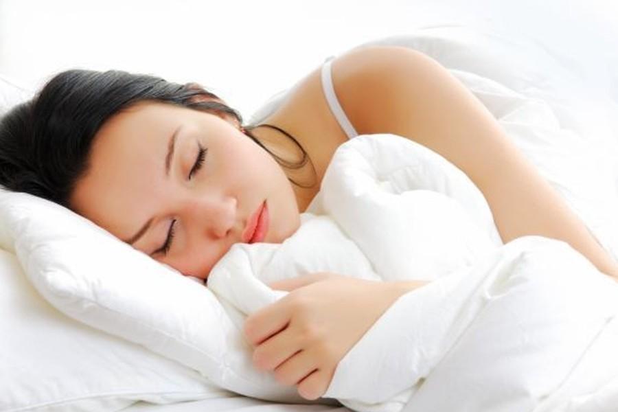 Les personnes qui dorment moins de six heures... (Photo:Valua Vitaly/Relaxnews)