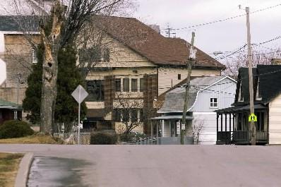 Une rue à Kahnawake... (Photo Armand Trottier, La Presse)