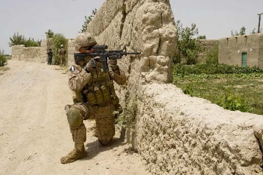 Un marine américain participe à l'offensive dans la... (Photo AFP)