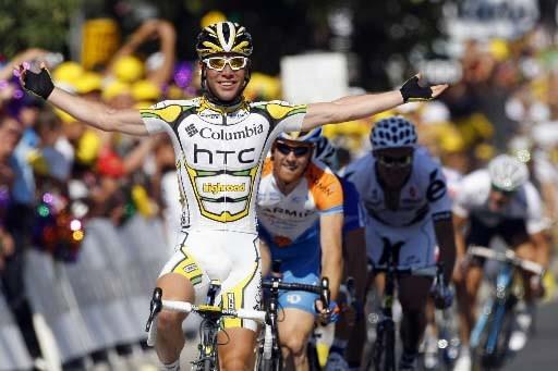 Mark Cavendish savoure sa victoire à l'issue du... (Photo Reuters)