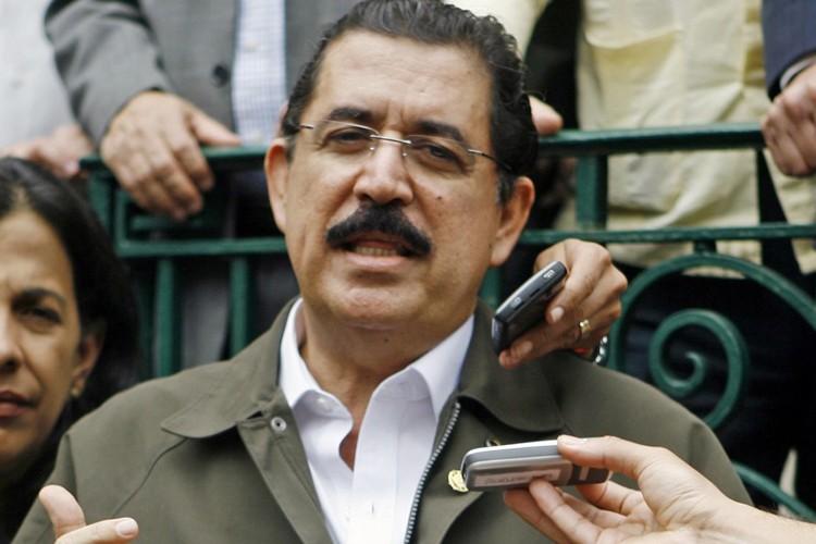 Le président déchu du Honduras, Manuel Zelaya.... (Photo: AP)