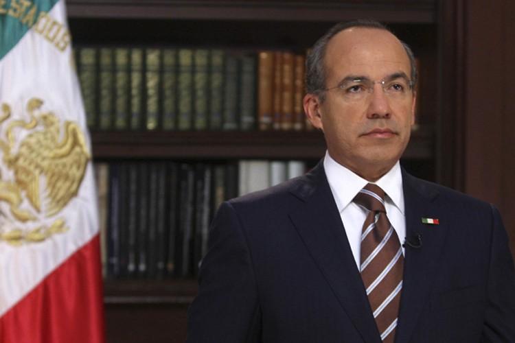 Felipe  Calderon... (Photo: Reuters)