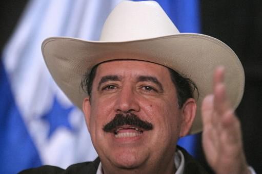 Manuel Zelaya... (Photo: AFP)