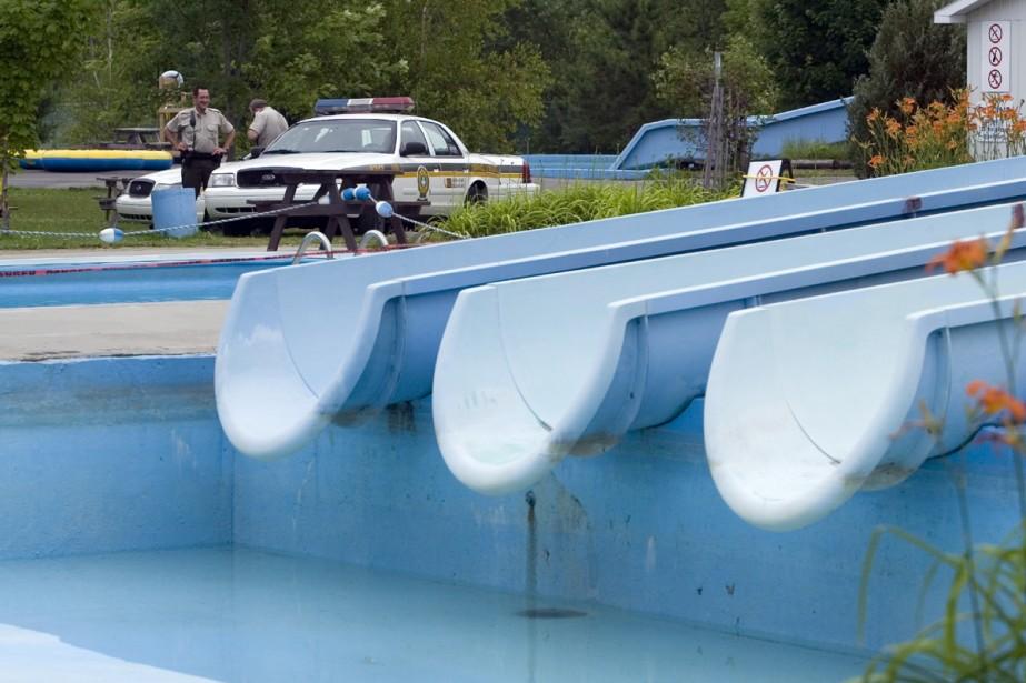 Accident aux glissades d 39 eau de st pie deux accus s cit s for Glissade eau interieur