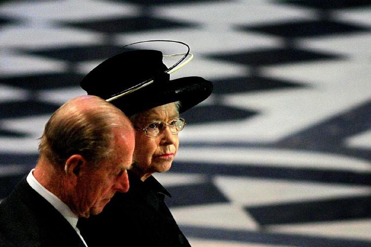 La reine Élisabeth II et le prince Philip.... (Photo: Reuters)