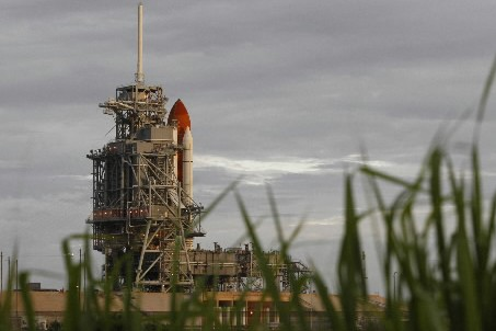 Le lancement de la navette Endeavour a encore... (Photo: Reuters)