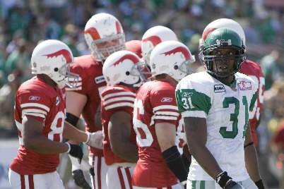 Les Alouettes célèbrent un touché.... (Photo Presse Canadienne)