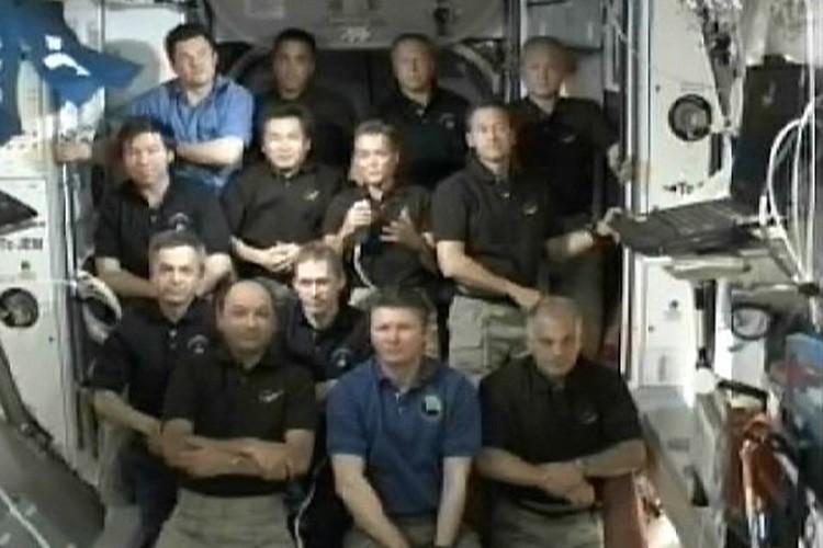 Les 13 astronautes qui ont pris part à... (Photo: Reuters)