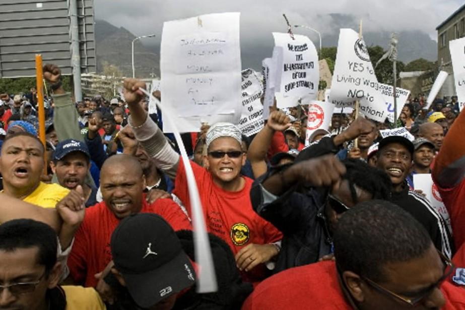 Des milliers d'éboueurs, chauffeurs de bus et bibliothécaires... (Photo AFP)