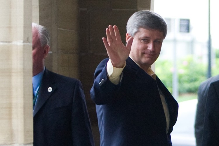 Stephen Harper arrive sur la colline parlementaire.... (Photo: PC)