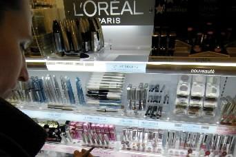 Le numéro un mondial des cosmétiques L'Oréal a publié... (Photo Bloomberg)