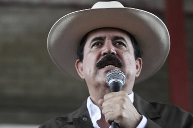 Manuel Zelaya... (Photo: Reuters)