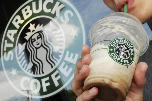 La chaîne de cafés Starbucks (NYSE:SBUX) a annoncé mercredi... (Photo: AP)