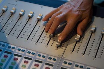 Les revenus de l'industrie de la radiodiffusion et des... (Photo: La Presse)