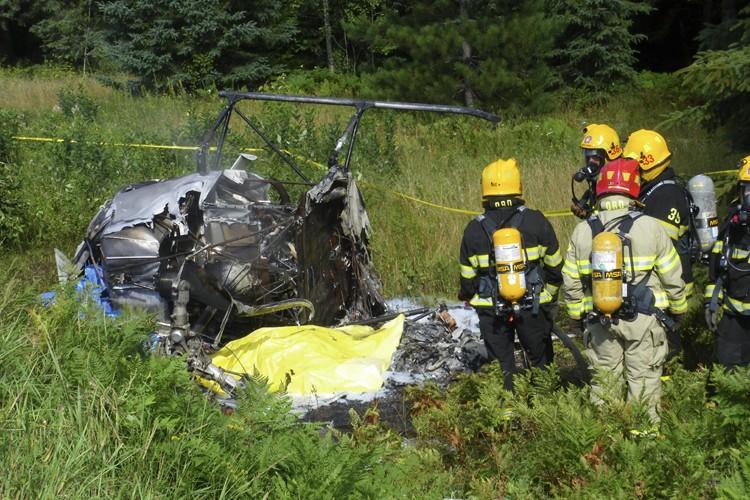 La carcasse calcinée de l'hélicoptère gisait au fond... (Photo: Nathalie Fleurant, Collaboration spéciale)