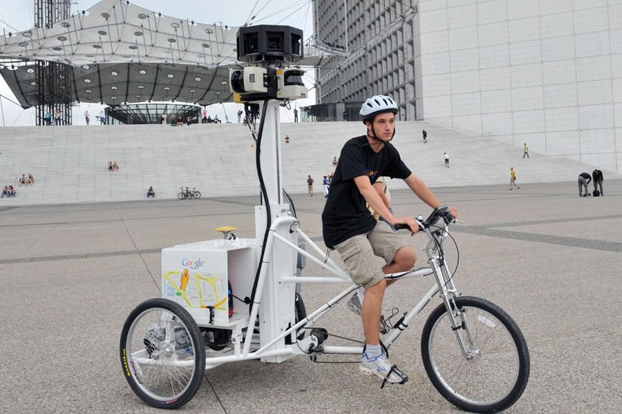 Arthur Poirier, un étudiant employé par Google France,... (Photo: AFP)