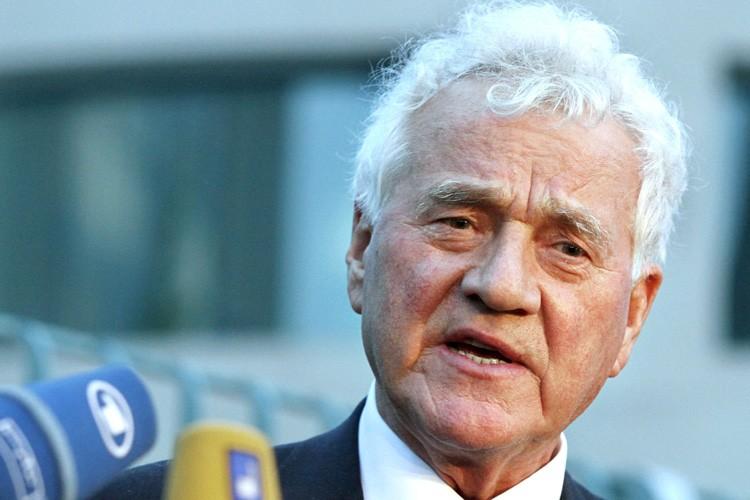 Le président de Magna International, Frank Stronach.... (Photo: Bloomberg News)