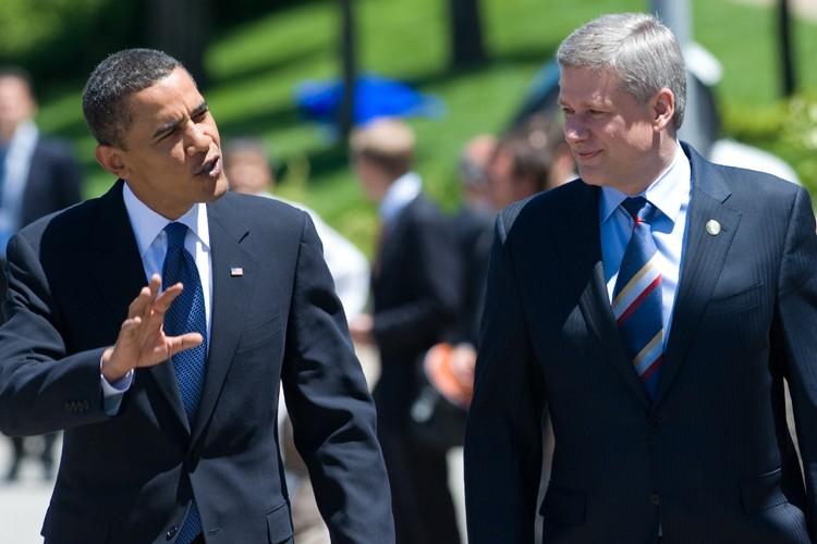 Barack Obama et Stephen Harper... (Photo: AFP)