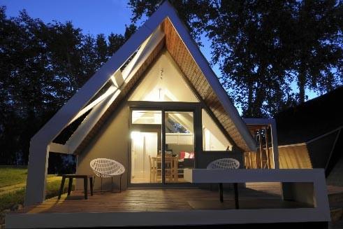 microchalet miniprix lucie lavigne maisons. Black Bedroom Furniture Sets. Home Design Ideas