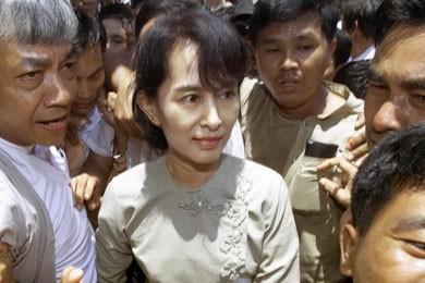 La plus célèbre des prisonniers politiques de Birmanie,... (Photo archives Reuters)