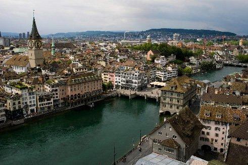 La ville de Zurich... (Photo: Martin Chmaberlnad, archives La Presse)