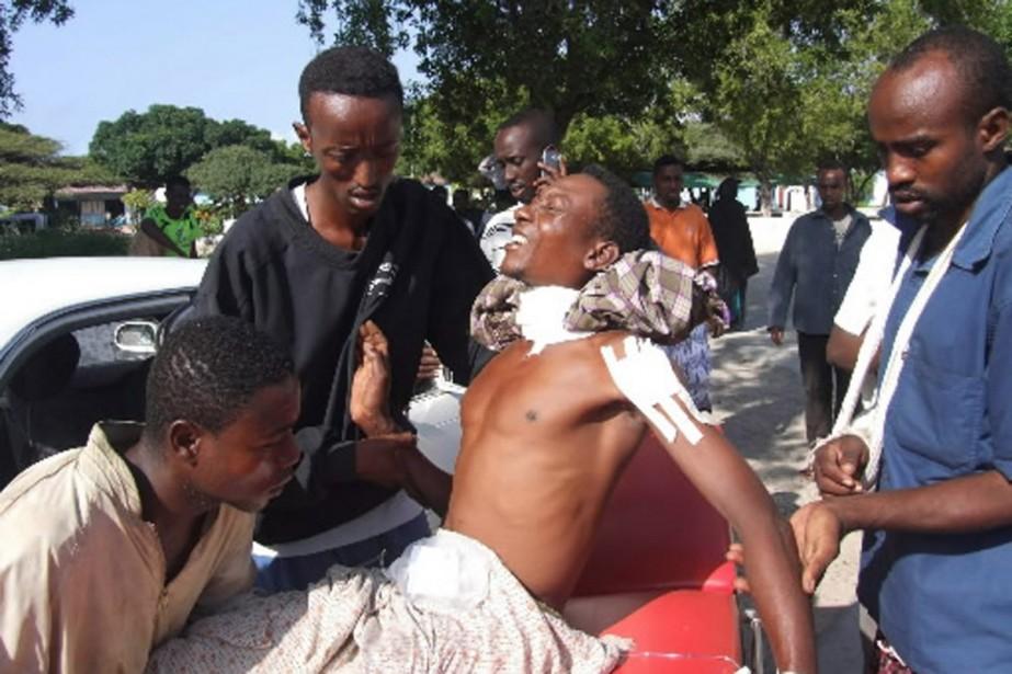 Plusieurs Somaliens ont été blessés et plus d'une... (Photo AP)