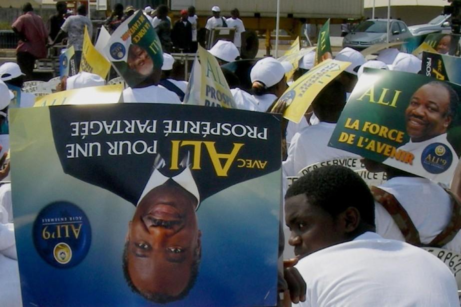 Plusieurs milliers de personnes se sont rassemblées jeudi... (Photo AFP)