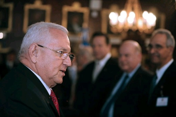 Le président par intérim, Roberto  Micheletti.... (Photo: AFP)