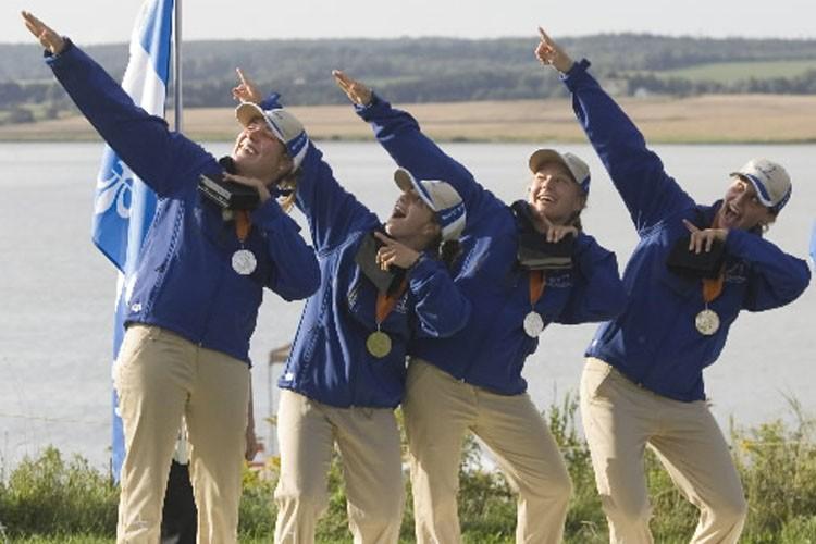 L'Équipe féminine du Québec qui a remporté la... (Photo: PC)