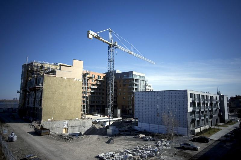 Les investissements en construction non résidentielle et en... (PHOTO FRANÇOIS ROY, ARCHIVES LA PRESSE)