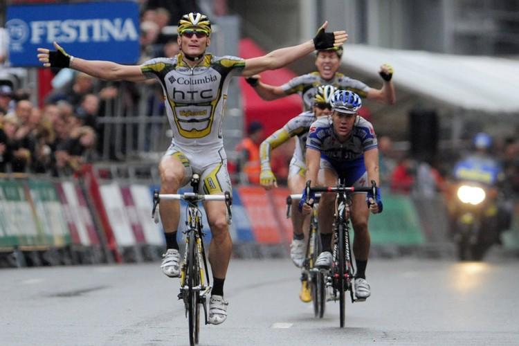 L'Allemand André Greipel a remporté la quatrième étape... (Photo: AFP)
