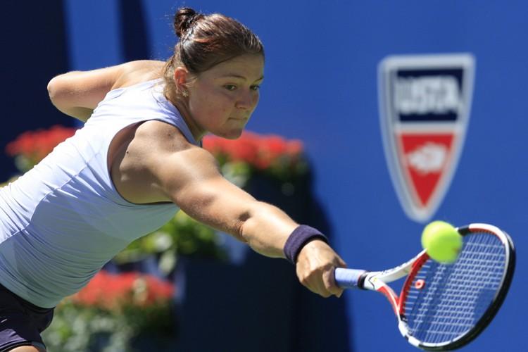 Dinara Safina... (Photo: Reuters)