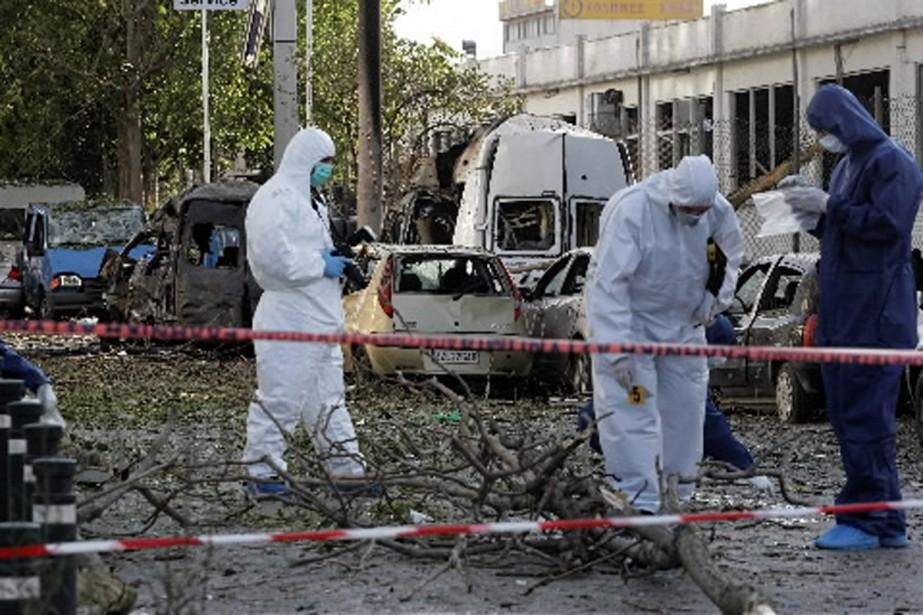 Les deux engins explosifs ont fait de sérieux... (Photo AFP)