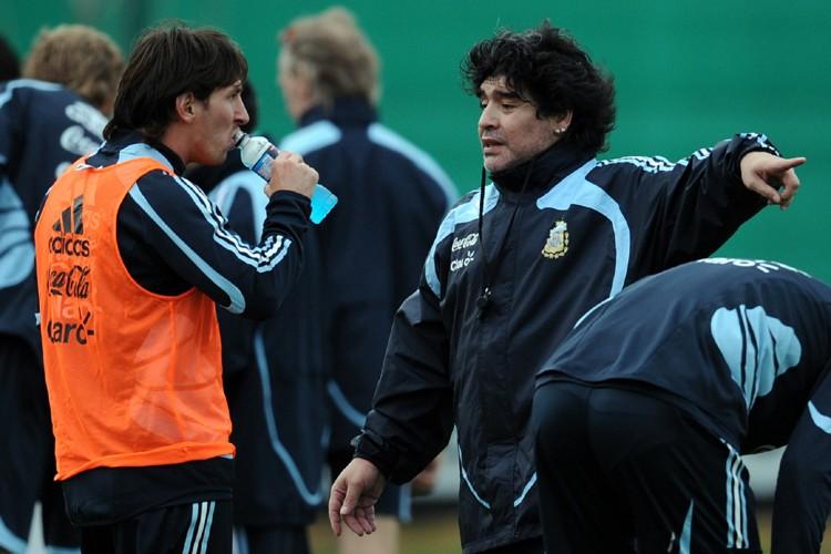 Le sélectionneur de l'Argentine, Diego  Maradona, a... (Photo: AFP)