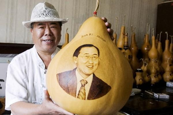 Malgré ses problèmes de popularité, Ban Ki-moon a... (Photo: AFP)