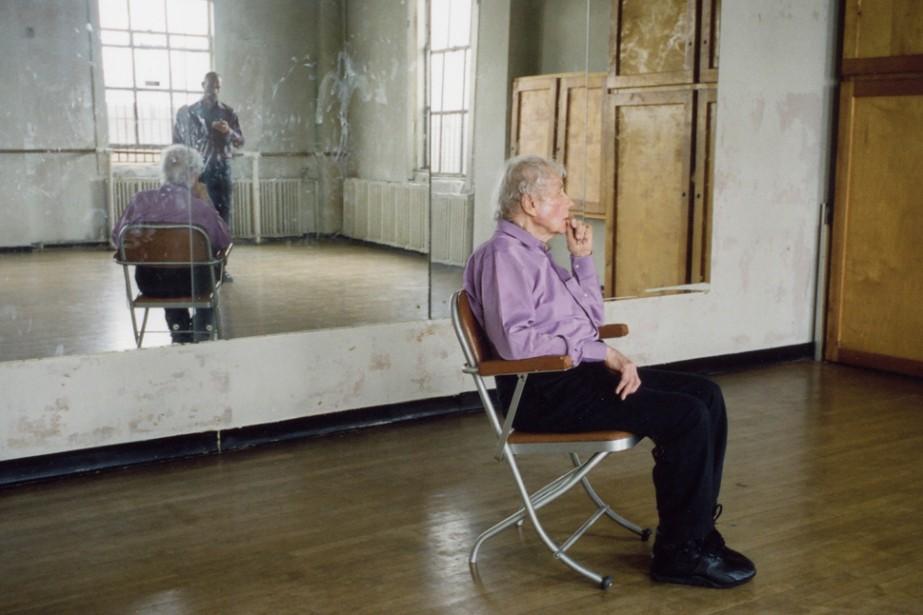 Merce Cunningham performs STILLNESS (in three... (Photo: fournie par le MAC)
