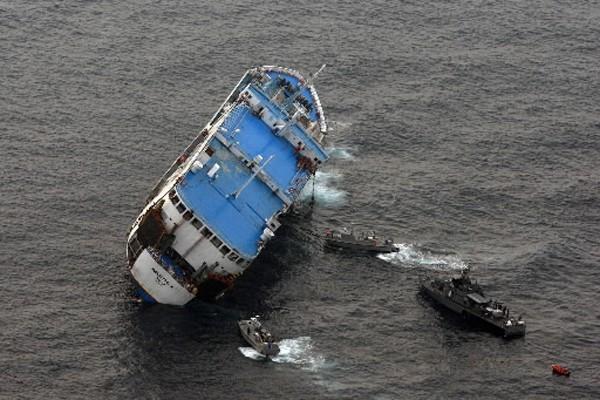 Un Canadien est sorti indemne d'un naufrage de ferry qui a fait... (Photo: AFP)