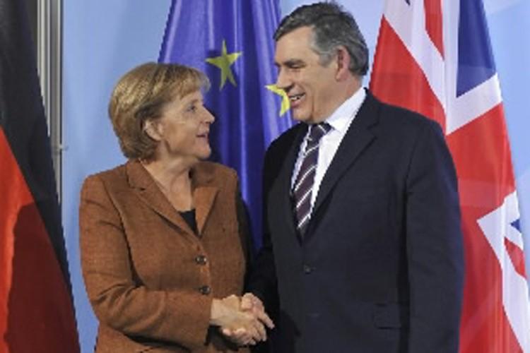 Angela Merkel et Gordon Brown.... (Photo: AP)