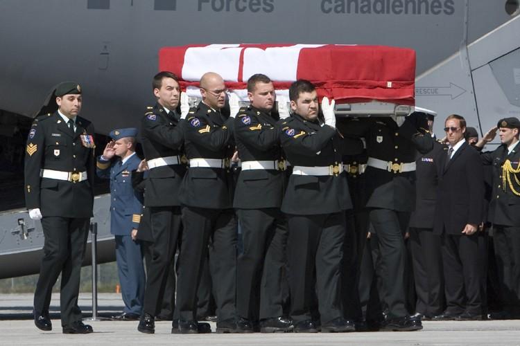 Les dépouilles des deux soldats sont arrivées à... (Photo: PC)