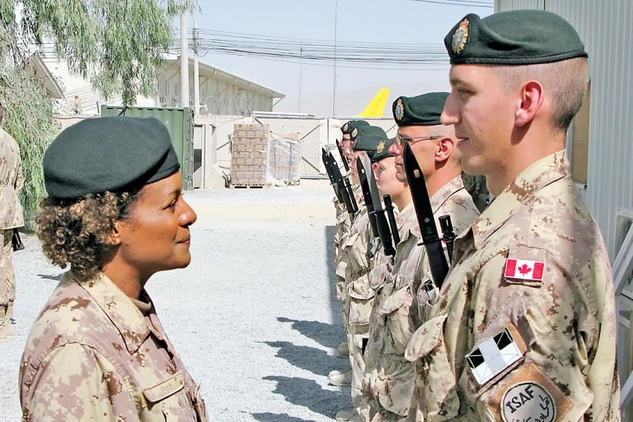 La gouverneure générale, Michaëlle Jean, vêtue de l'uniforme... (Photo PC)