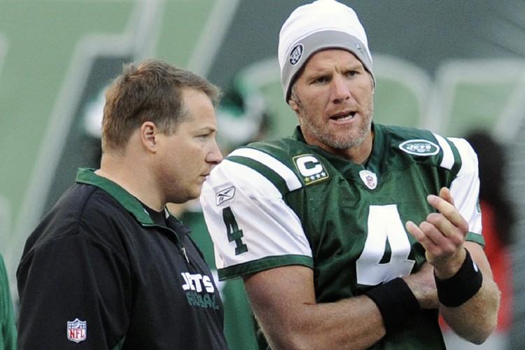 Eric Mangini a fait jouer Brett Favre avec... (Photo: AP)