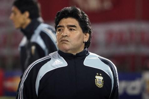 Maradona... (Photo: Reuters)