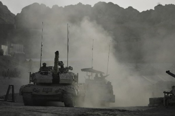 Au moins 42 personnes, dont quelque 22 civils et sept... (Photo: Reuters)