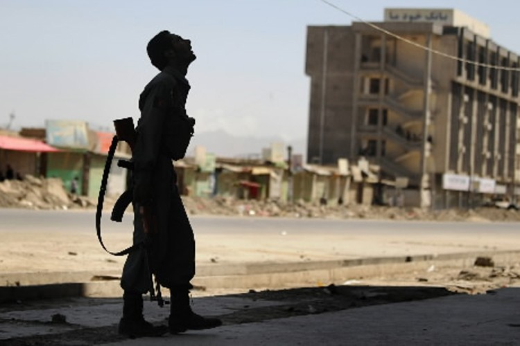 Trente civils et 69 talibans ont été tués le 4 septembre par la... (Photo: AFP)