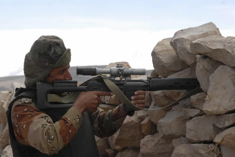 Un soldat yéménite participant à l'opération contre les... (Photo: Reuters)