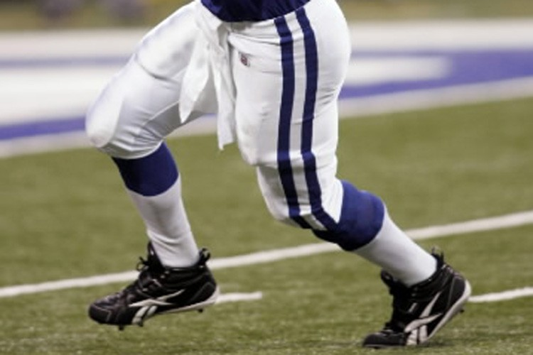 L'ailier espacé Anthony Gonzalez, des Colts d'Indianapolis, a dû... (Photo: AP)
