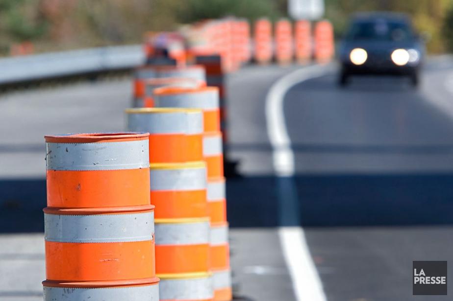 La construction d'une chaussée d'autoroute urbaine à deux... (Photothèque Le Soleil)
