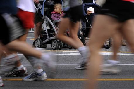 Des coureurs lors du marathion Oasis de Montréal... (Photo: Bernard Brault, La Presse)