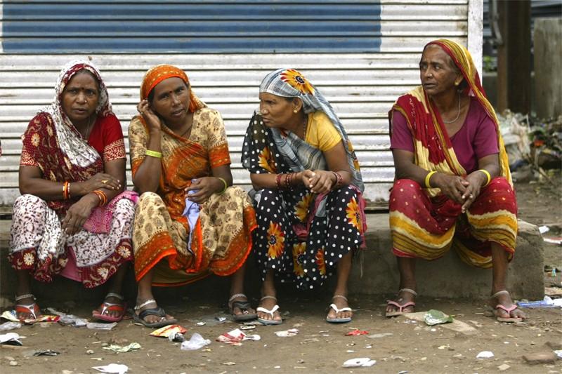 Des paysans du nord de l'Inde, frappés par la... (Photo Associated Press)