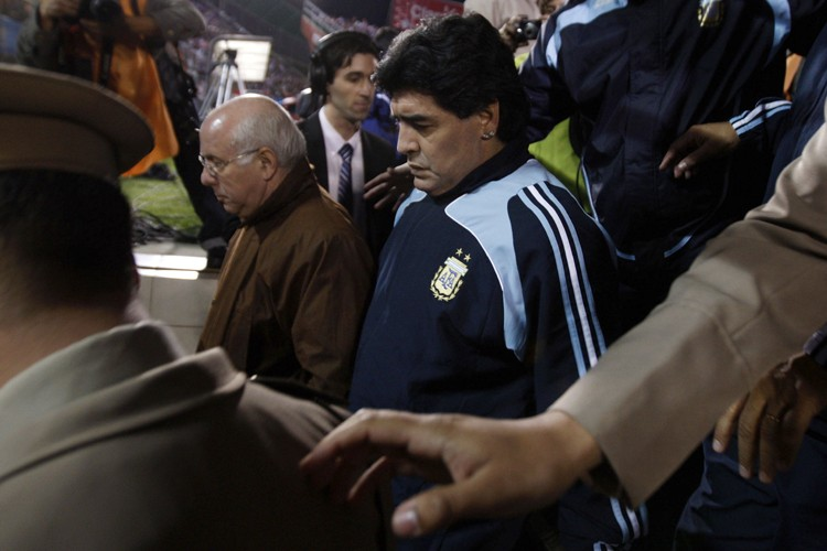 Le sélectionneur de l'Argentine, Diego Maradona... (Photo: Reuters)